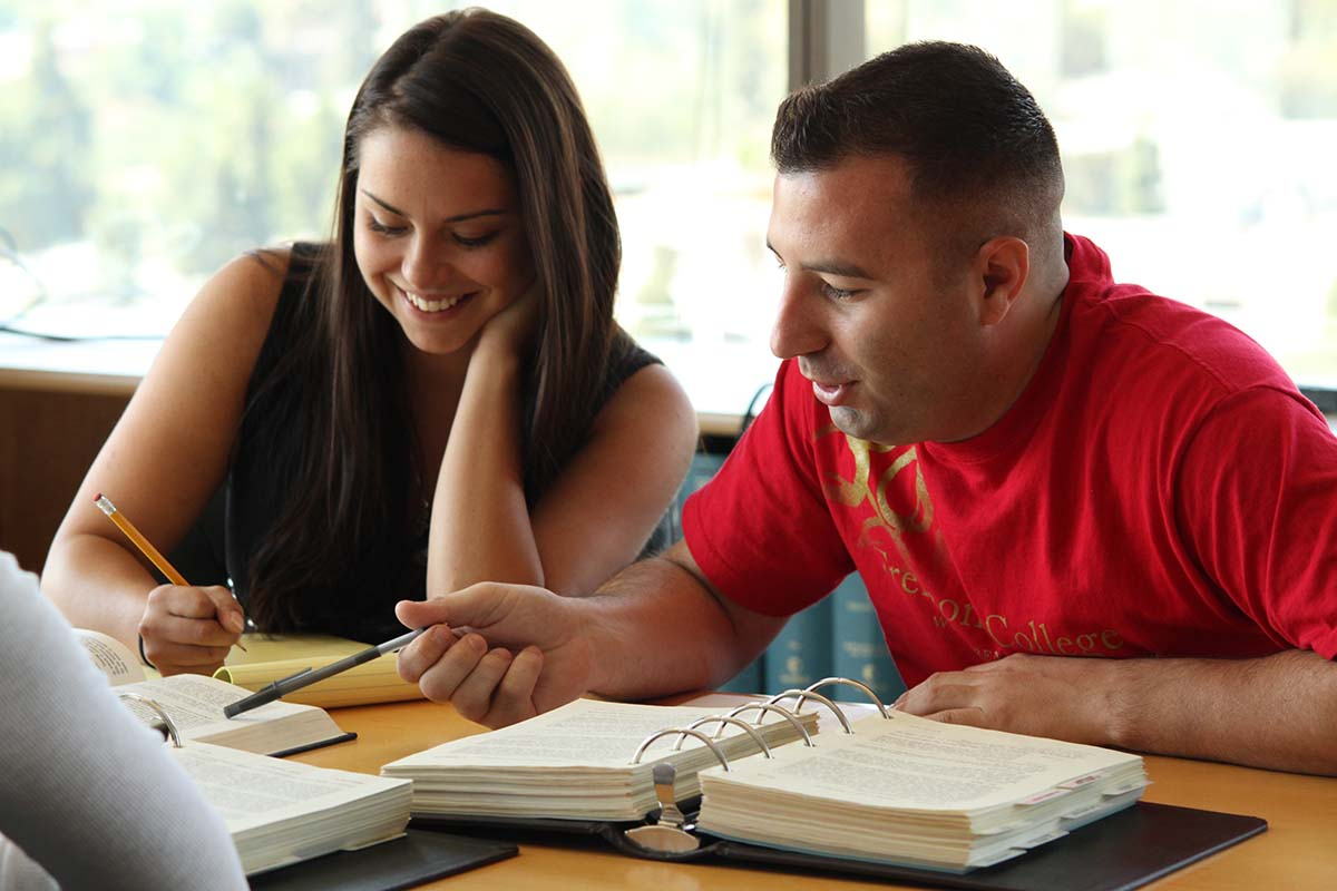 8 Effective Study Tips for College Students