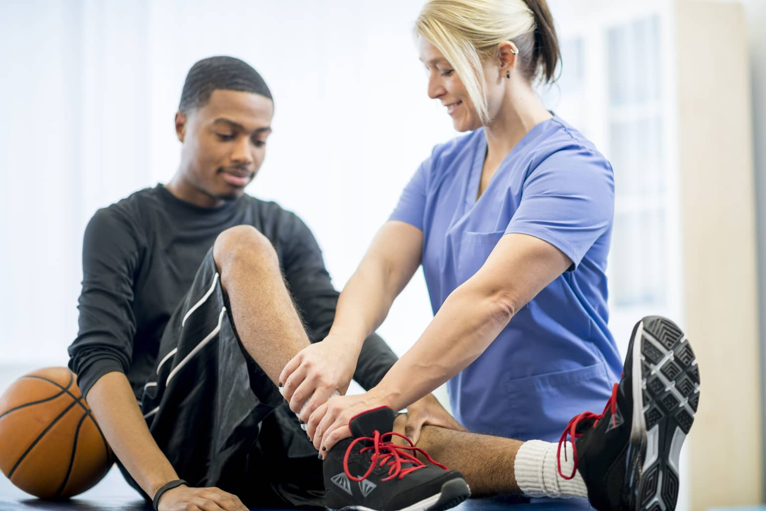 the benefits of being an athletic trainer But first, what exactly is an athletic trainer  the benefits of industrial athletic training 1 athletic trainers are trained specifically in injury prevention.