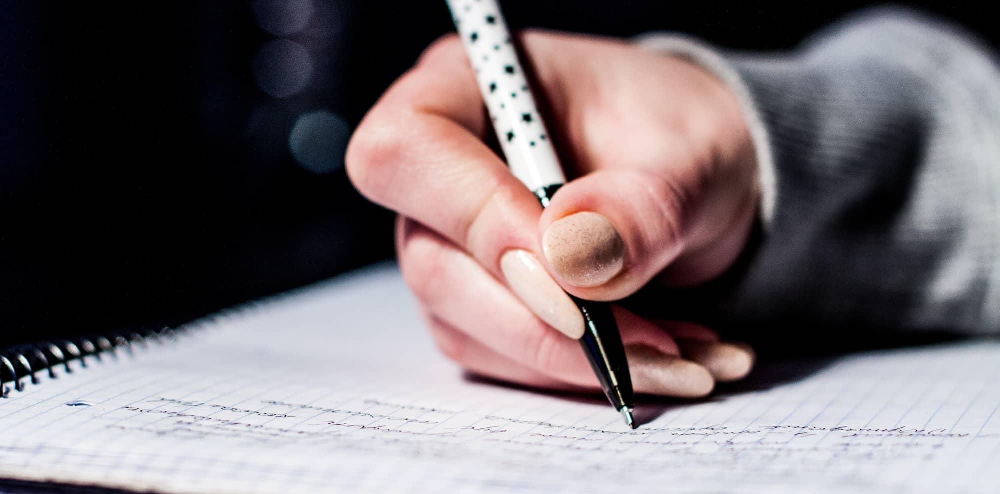 good sentence starters for essays